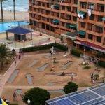 vistas a la zona de gol infantil, piscina y playa