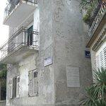 La casa natale di Mohorović prima del restauro