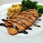 Seared Salmon With Balsamic Reduction