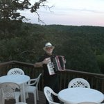 Live entertainment by a very talented accordian player who set the mood very well.