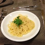 夕食で食べたペペロンチーノです。