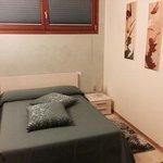 """foto della camera """"singola""""... spaziosissima!!!"""