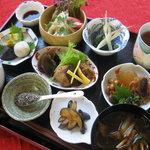 自然食穀物菜食マクロビオテイックのお料理「ヘルシーセット」1000円 詳しいお値段・内容・ご予約方法は、「サイト」へのリンクをお開きください。