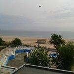 Zimmeraussicht Pool und Strand