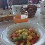 fruits frais, jus d'oranges pressé...