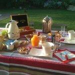 le petit déjeuner en terrasse