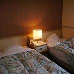 部屋は狭いが寝心地は良い。