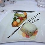 Foie gras mariné au Muscat, confit à la graisse d'oie et pressé en terrine,  confit de melon et