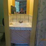 Clean bathroom, hot water with good water pressure.
