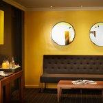 espace bar avec la collation offerte de 16h à 19h ainsi que le café/thé offerts 24h/24 !