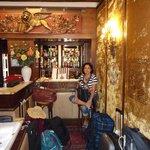 La recepcion con maletas que esperan a que sus propietarios se despidan de Venecia