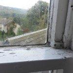 verdreckte Fenster, im Bad nicht zu öffnen