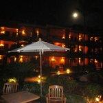 Hotel pela noite