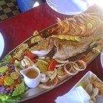 pesce freschissimo e cucinato all'italiana, senza spezie, solo olio e limone
