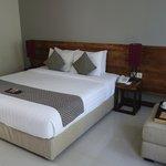 Zimmer / Bett hochwertige Einrichtung