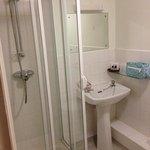 bathroom room 18