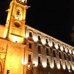 Fachada del hotel, antiguo convento de la Merced.