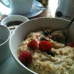 Soy porridge with fresh berries and Teapigs chai :)