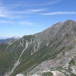 間ノ岳への縦走路からの北岳