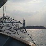 vista della statua della libertà dal veliero