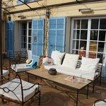 Le salon dans le patio