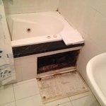 bagno disastrato