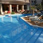 Photo de Hotel Corona