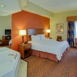 Choose a relaxing whirlpool room when staying at our Bordentown hotel.