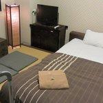cama 1'60m, sala y zona de estar todo en uno