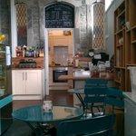 Relaxed stylish neighbourhood cafe.