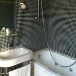 Salle de bains chambre 11