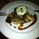 Filet Mignon, gorgonzola, red wine jus & artichokes