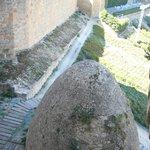 Vista desde Castillo nuevo ,se puede ver la terraza del castillo antiguo al fondo