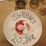 bij het dessert kregen we heel attent felicitaties...