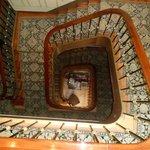 Vista del hueco de escalera desde 2º piso