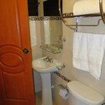 banheiro apertadinho, mas limpo