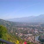 Le Panorama, avec le Mont Blanc enneigé au loin sur la gauche de la photo