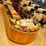 Café da manhã com muitas variedades