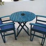 Tavolo sul terrazzo - tipici colori della grecia