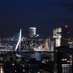 Blick auf das nächtliche Rotterdam