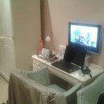 TV / Desk