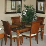 Spacious dining area for up to 6