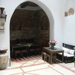 acogedor comedor y salon de estar, de decoracion muy agradable y calida.