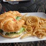 cusabi chicken sandwich & onion tanglers