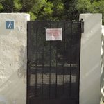 Puerta acceso Calas