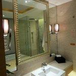 Bathroom. Shower plus tub.