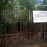 Isla Gargona, gate to the jail