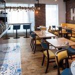 Hooked Restaurant & Bar