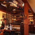 Restaurantbereich auf 2 Etagen
