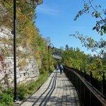 Promenade près de la falaise, Chute Montmorency